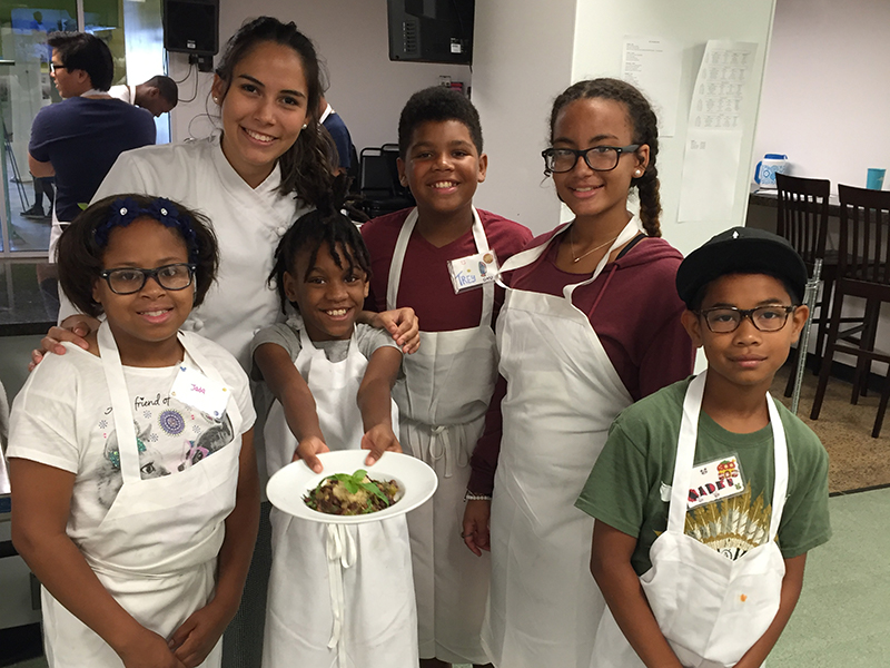 Tulane student internship helping kids learn to cook